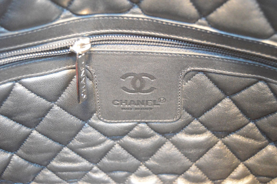 Women's Chanel Burgundy Leather Cocoon Tote For Sale