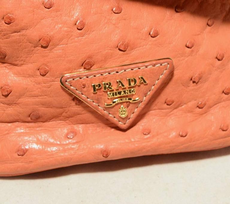 Women's Gorgeous Prada Galleria Saffiano Peach Coral Ostrich Leather Tote Bag For Sale