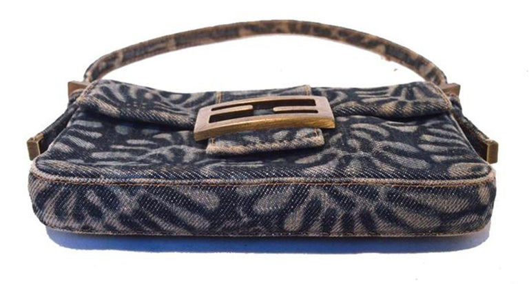 Fendi denim floral mini baguette In Excellent Condition In Philadelphia, PA