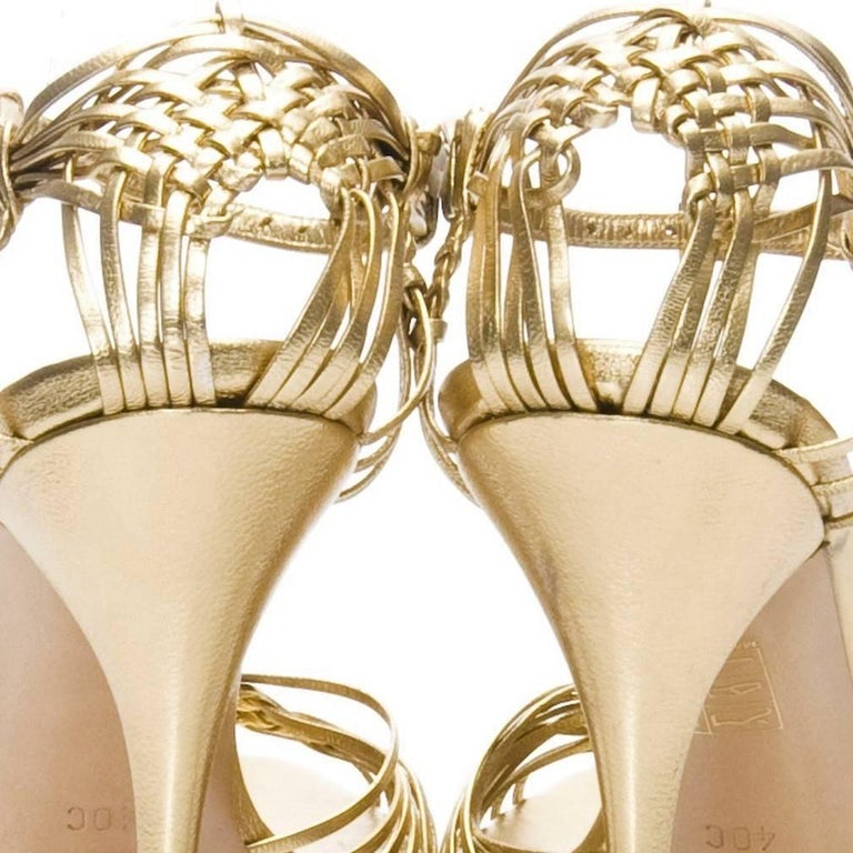 601819f5f New Gucci Gold Leather Ad Runway Heel For Sale at 1stdibs