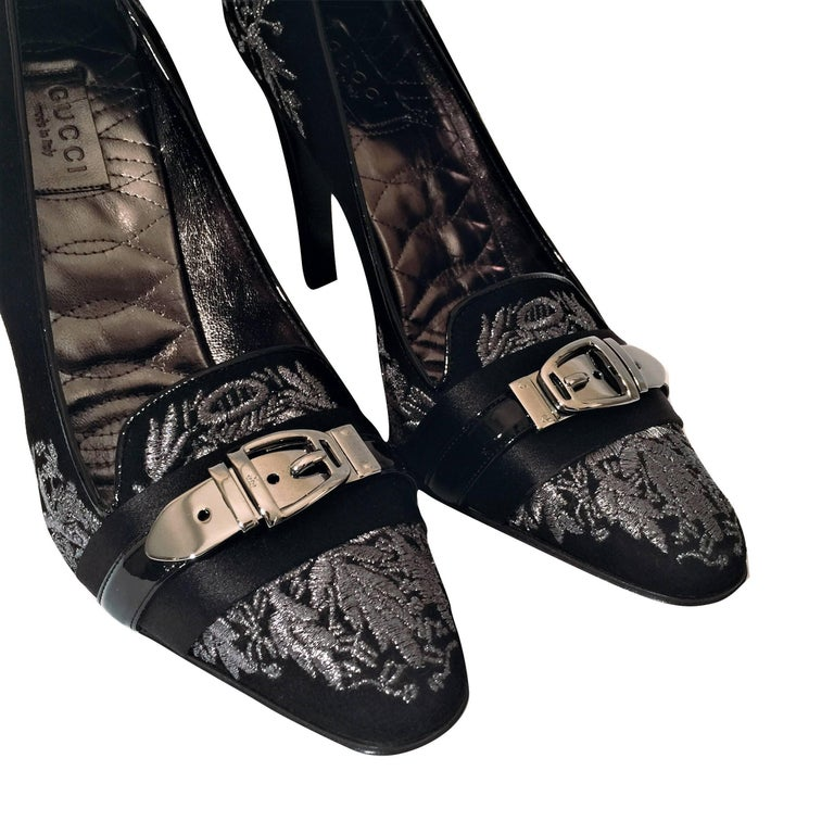 New Gucci Runway Suede Brocade Buckle Heels  For Sale 2