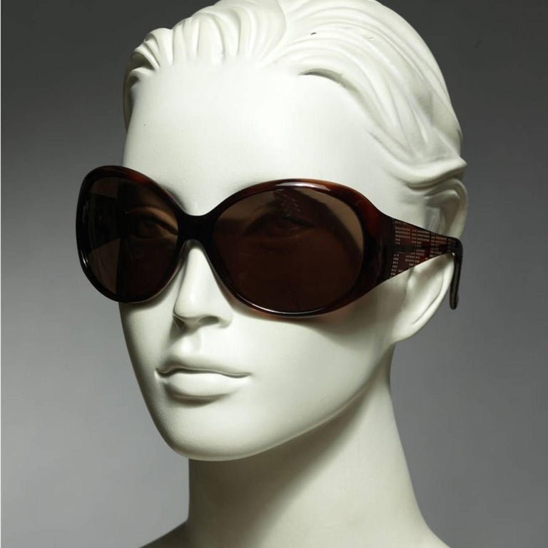 Women's New Fendi Brown Wrap Logo Sunglasses With Case For Sale