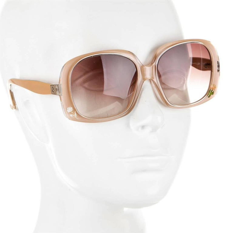 New Fendi Beige Rose Inlaid Sunglasses With Case In New Condition For Sale In Leesburg, VA