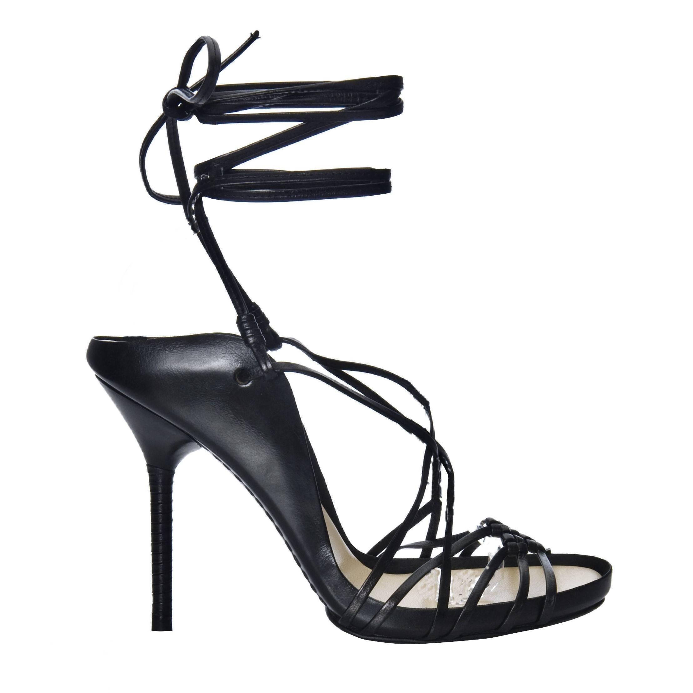 969d91152e9 Vintage Size 38 Tom Ford for Gucci Strappy Woven Heels at 1stdibs
