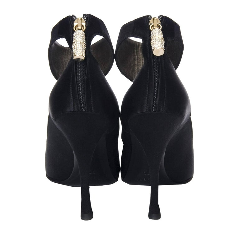 Tom Ford for Gucci Heels  Brand New & Collectible * Stunning in Black Satin * Size: 7 * Heavy Swarovski Crystal Bamboo Zipper Charm * Pointed Toe * Zips up the Back * Closed Ankle * 4