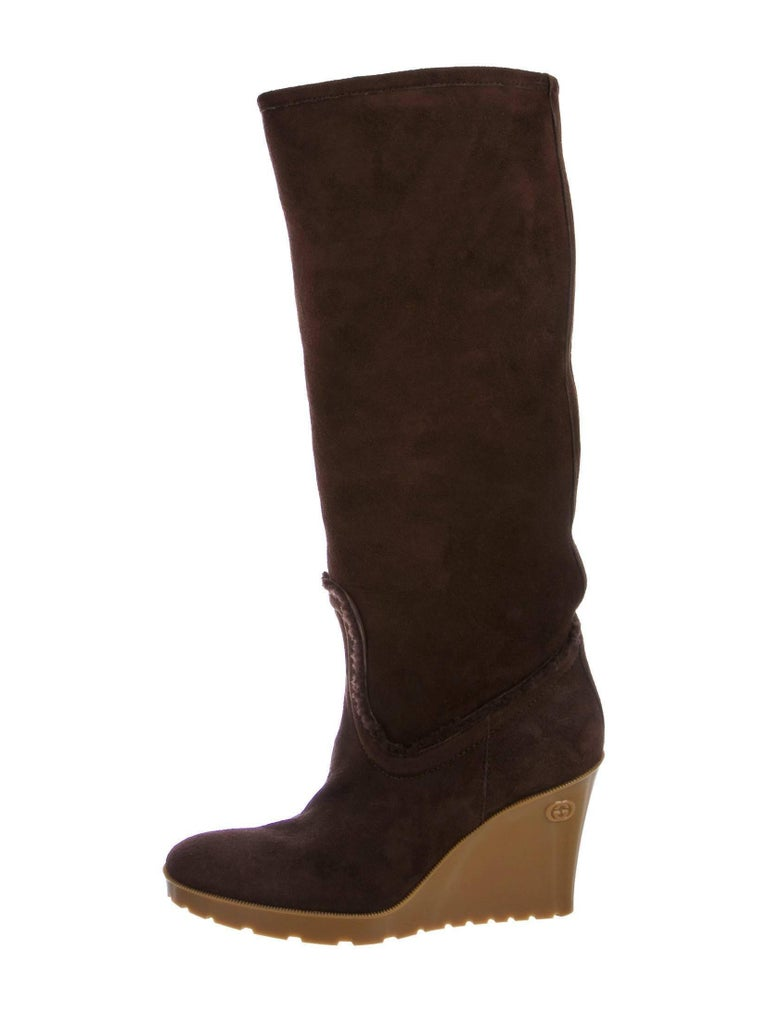 New Size 8 Gucci Chocolate Brown Shearling Wedge Boots In New Never_worn Condition For Sale In Leesburg, VA