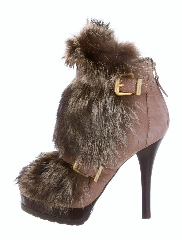 New Fendi Ad Runway Fur and Suede Platform Boots Booties Sz 37 In New Condition For Sale In Leesburg, VA