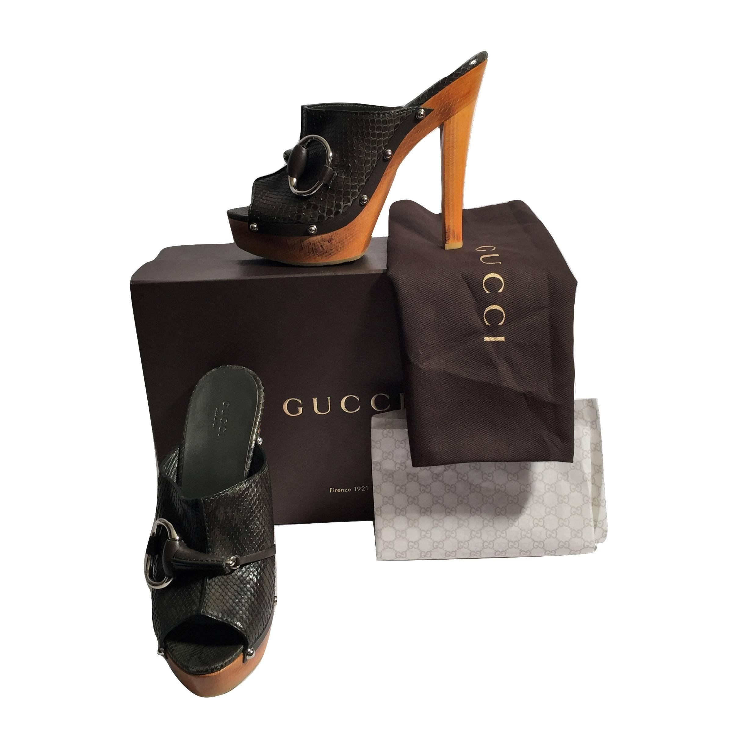09069a7c1e8f New Gucci New Midnight Green Python Mule Heels Sz 38.5 For Sale at 1stdibs
