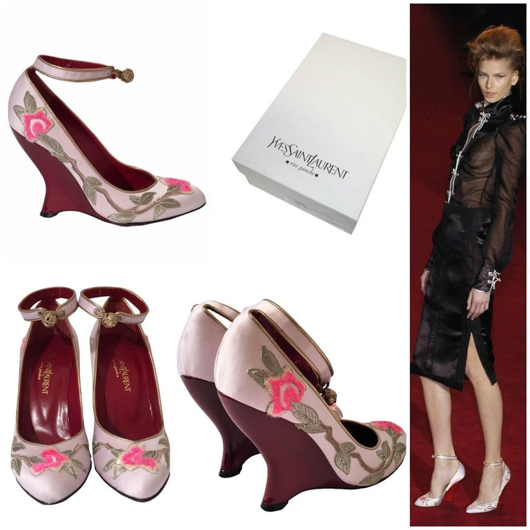 Yves Saint Laurent Heels Brand New * Tom Ford Lotus Runway Ad Heels * This was his last collection for Yves Saint Laurent. He was inspired by the Chinese Collection of 1977... Own a Piece of Fashion History His Final Collection for YSL 2004 *
