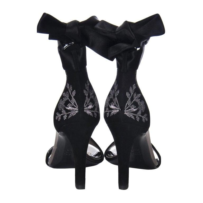New Gucci Runway Suede Brocade Heels Sz 8.5 For Sale 1