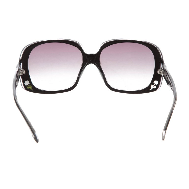 Fendi New Black with Rose Inlaid Sunglasses  For Sale 1
