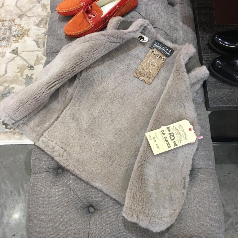 Women's New Da-Nang Grey Shearling Vest  Sz S For Sale