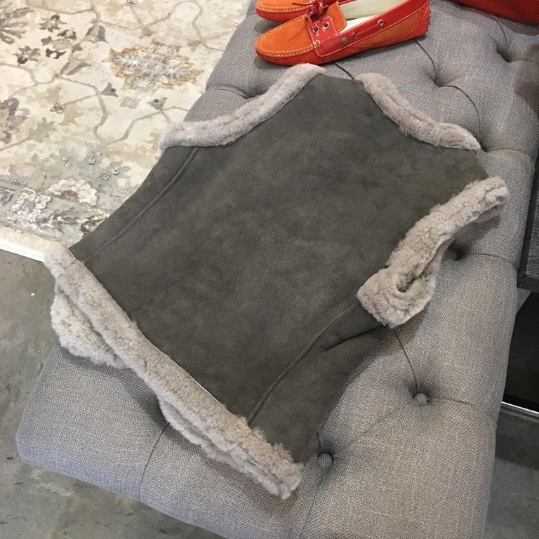 New Da-Nang Grey Shearling Vest  Sz S For Sale 1