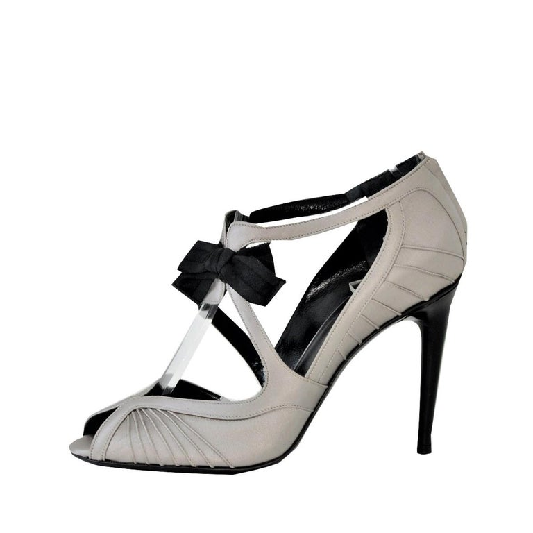 New Tom Ford for Gucci Satin Runway Sarah Jessica Parker Heels Pumps Sz 8.5 For Sale 3
