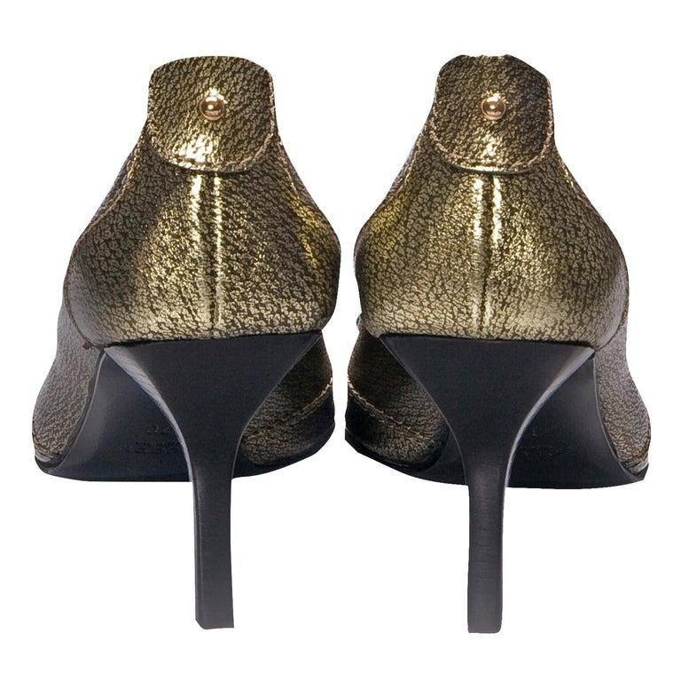 New Gucci Gold Horsebit Pumps Runway Heels Sz 37 In New Condition For Sale In Leesburg, VA