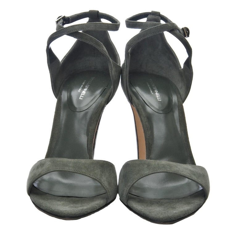 New Tania Spinelli Mother of Pearl Suede Heels Sz 40 For Sale 1