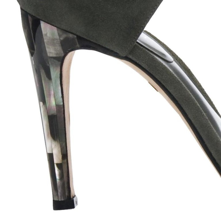 Women's New Tania Spinelli Mother of Pearl Suede Heels Sz 40 For Sale