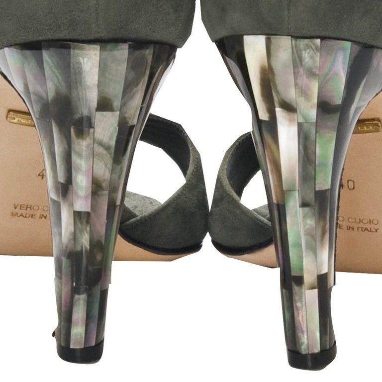 New Tania Spinelli Mother of Pearl Suede Heels Sz 40 For Sale 2