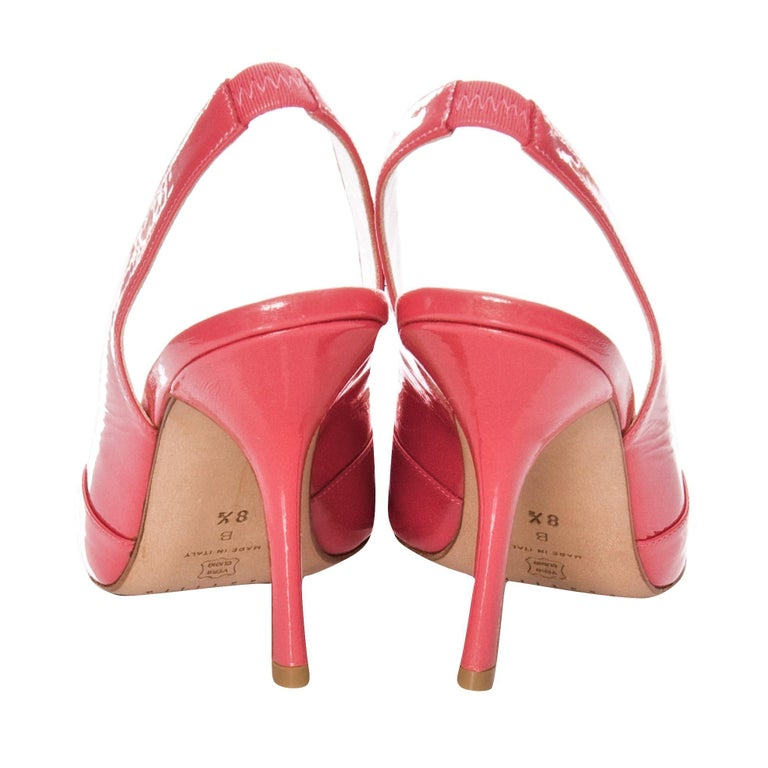 New Edmundo Castillo Coral Patent Leather Sling Heels In New Condition For Sale In Leesburg, VA