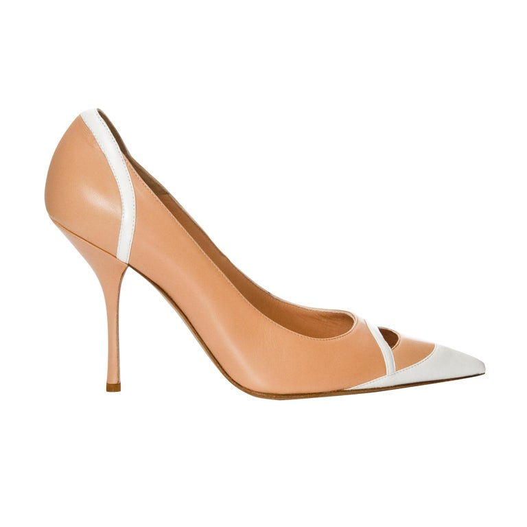 New Edmundo Castillo Peach and White Leather Heels Pumps Sz 9 In New Condition For Sale In Leesburg, VA