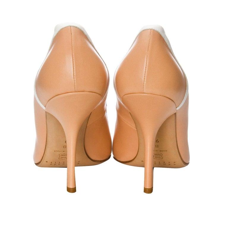 New Edmundo Castillo Peach and White Leather Heels Pumps Sz 9 For Sale 2