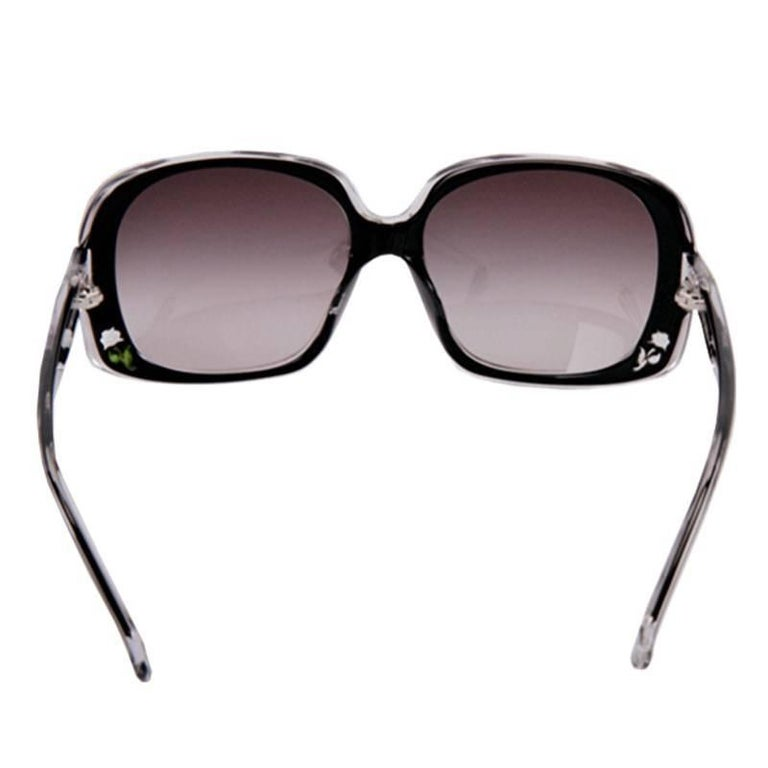 New Fendi Black with Rose Inlaid Sunglasses  For Sale 8