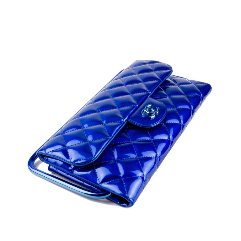 Chanel Electric Blue Patent Leather Quilted Runway Clutch For Sale 1
