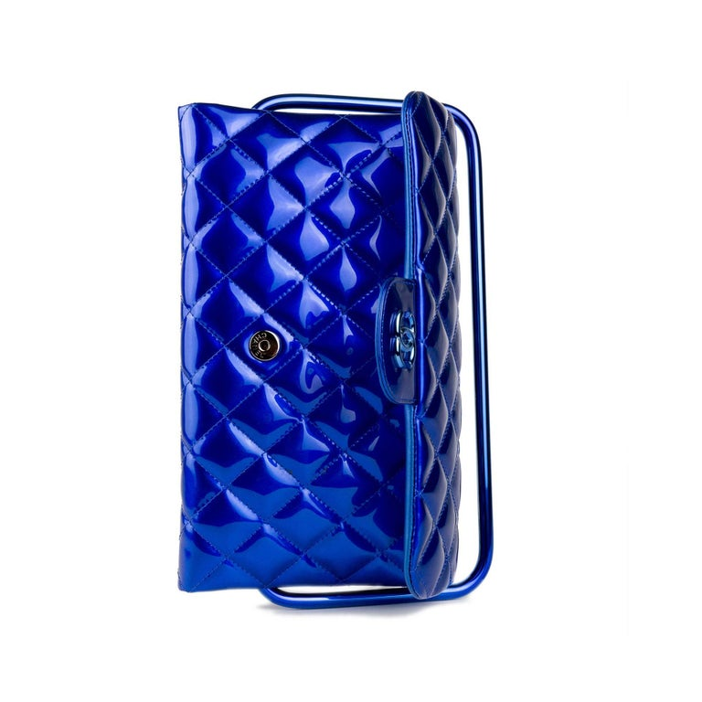 Chanel Electric Blue Patent Leather Quilted Runway Clutch For Sale 3