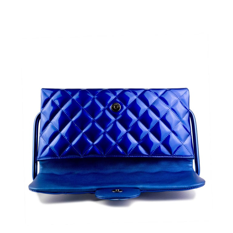 Chanel Electric Blue Patent Leather Quilted Runway Clutch For Sale 4