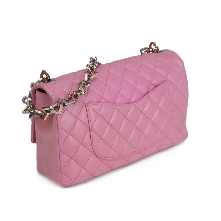 Women's Chanel Limited Edition Valentines Rare Heart Charm Pink Classic Flap For Sale