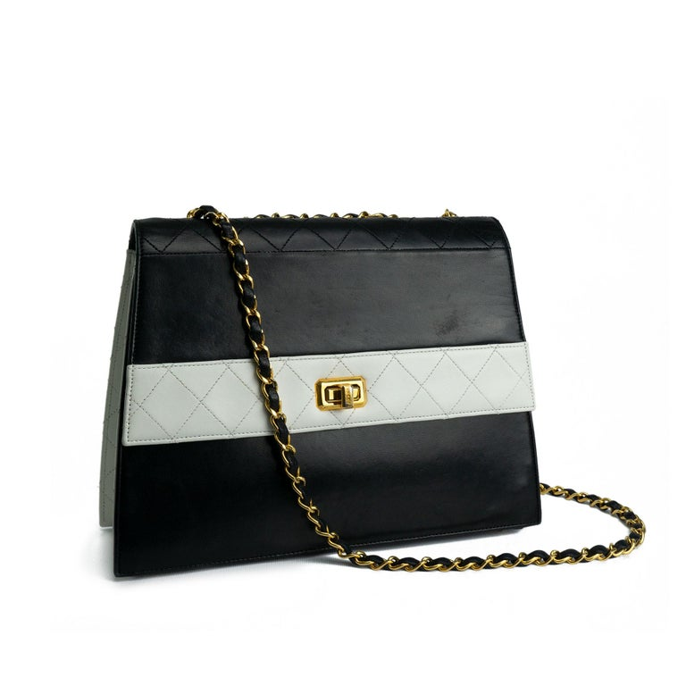 Chanel 1980s Two Tone Black and White Vintage Flap Bag For Sale 5