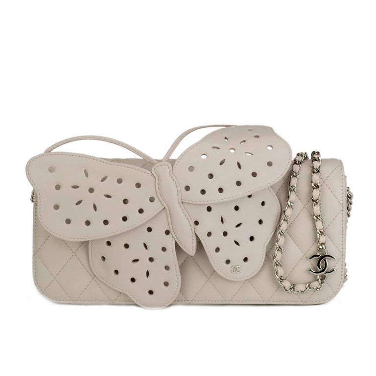 7f074b0ae8e0 Chanel Rare Soft Beige Lambskin Butterfly Clutch Flap For Sale at ...