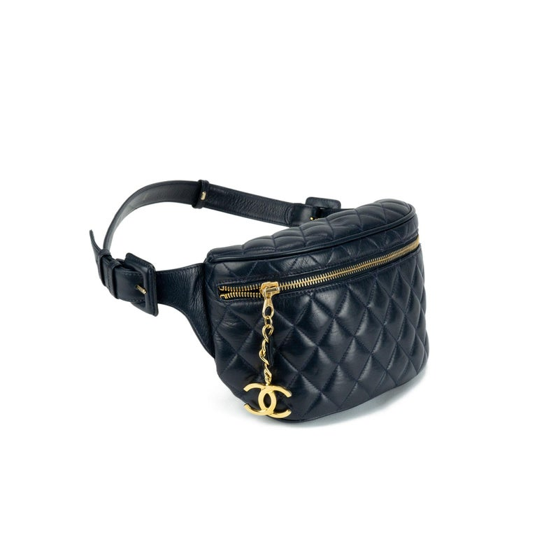 d6f59df74 Black Chanel Quilted Lambskin Vintage Fanny Pack Waist Belt Bum Bag, 1990s  For Sale