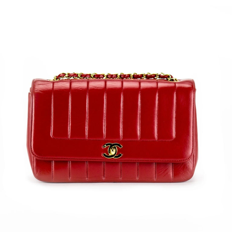 Chanel Red Lambskin Stripe Diana Medium Vintage Classic Flap Bag  In Good Condition For Sale In Miami, FL