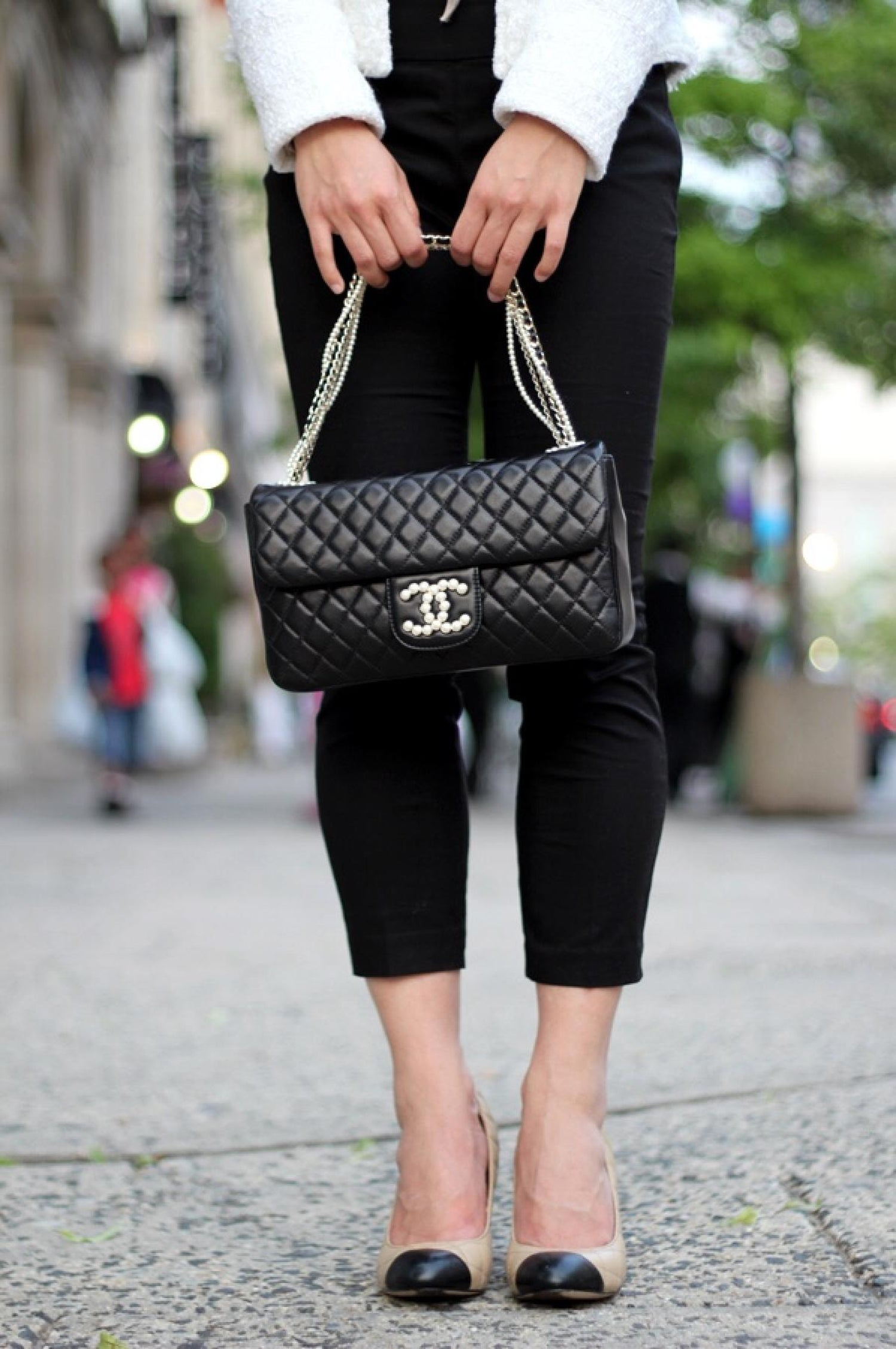 9bc9e20a5e3a Chanel Black Lambskin Diamond Stitch Pearl Medium Classic Westminster Flap  Bag For Sale at 1stdibs