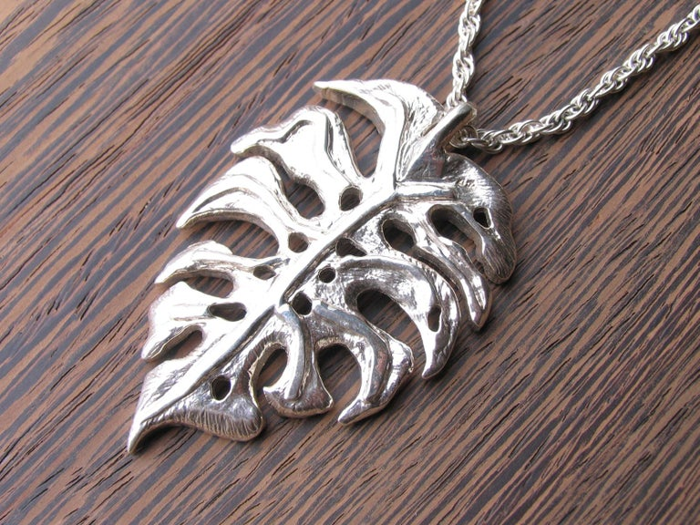 Contemporary Large Sterling Silver Monstera Leaf Pendant Necklace For Sale