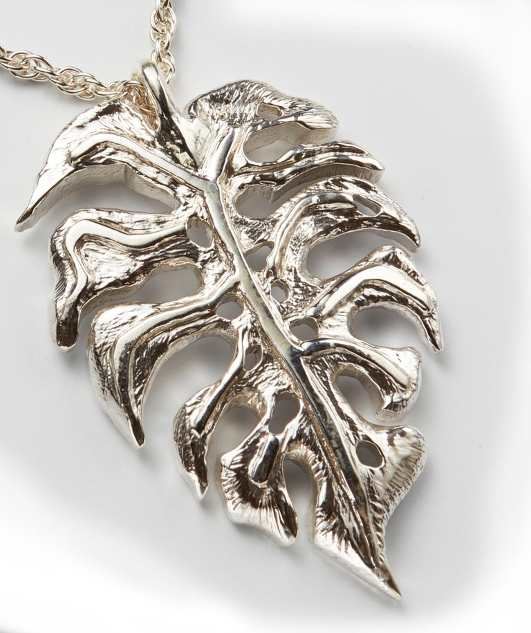 Large Sterling Silver Monstera Leaf Pendant Necklace In New Condition For Sale In New York, NY