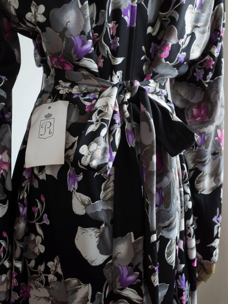 1960s Floral Print Gown In New Condition For Sale In Antwerp, BE