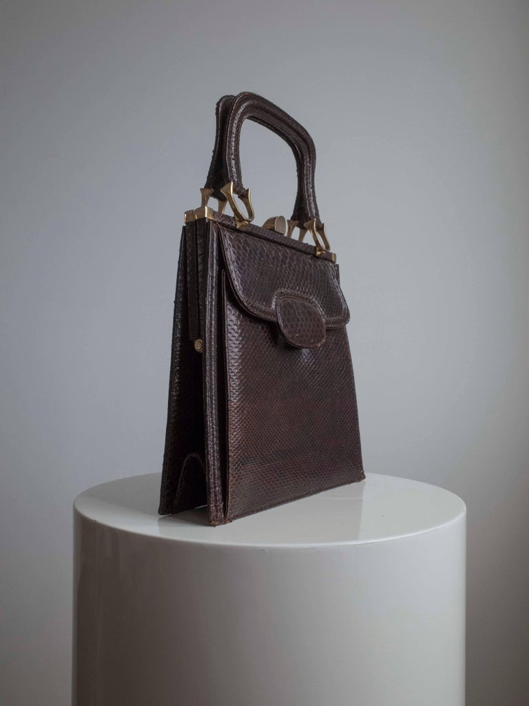 Leather Top Handle Vintage Bag / Purse, 1950s  In Good Condition For Sale In Antwerp, BE