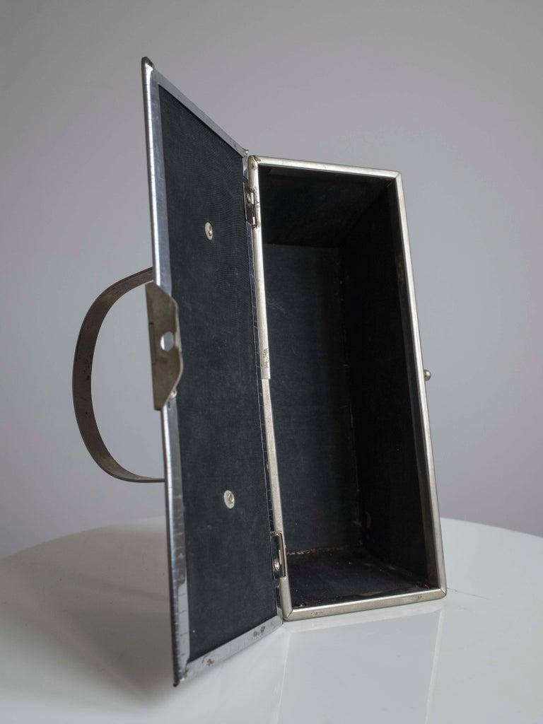 1960s Silver Basket Weave Mod Box Handbag For Sale 1