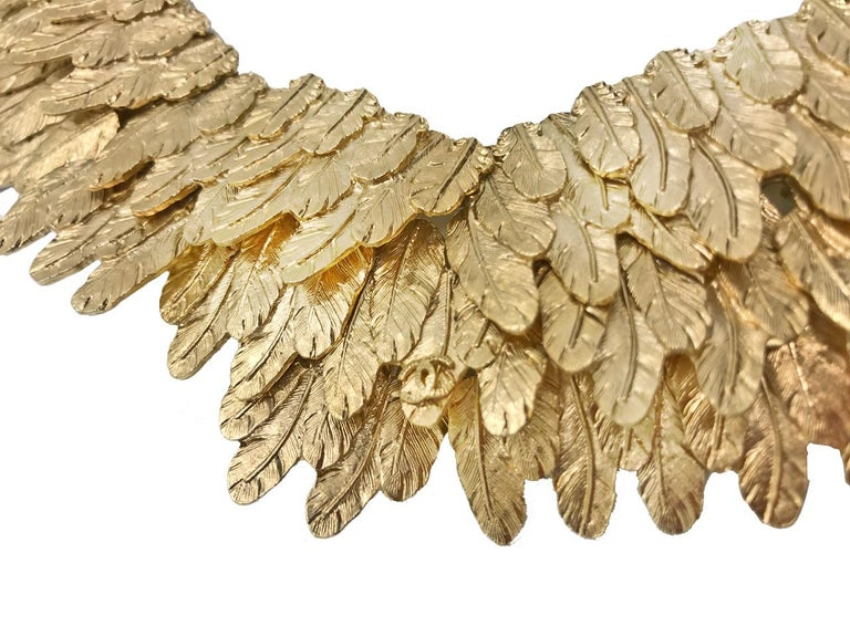 Women's Chanel Gold tone Feather Collar Choker Necklace, 2008   For Sale