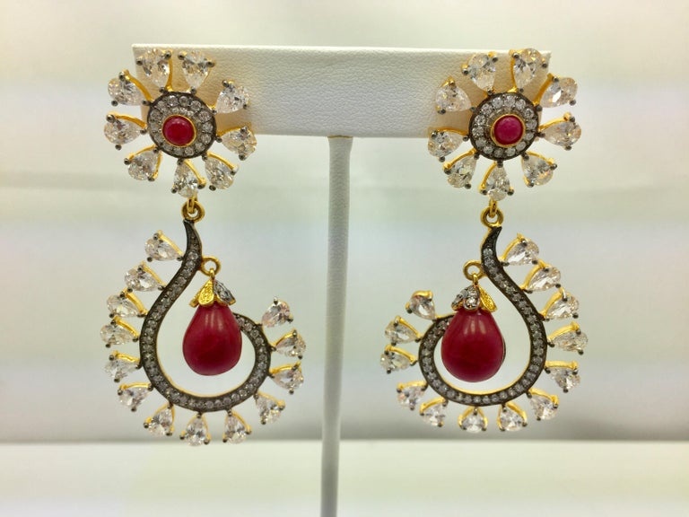 MEGHNA JEWELS Rani Earrings Cubic Zircon In Excellent Condition For Sale In Hoffman Estates, IL
