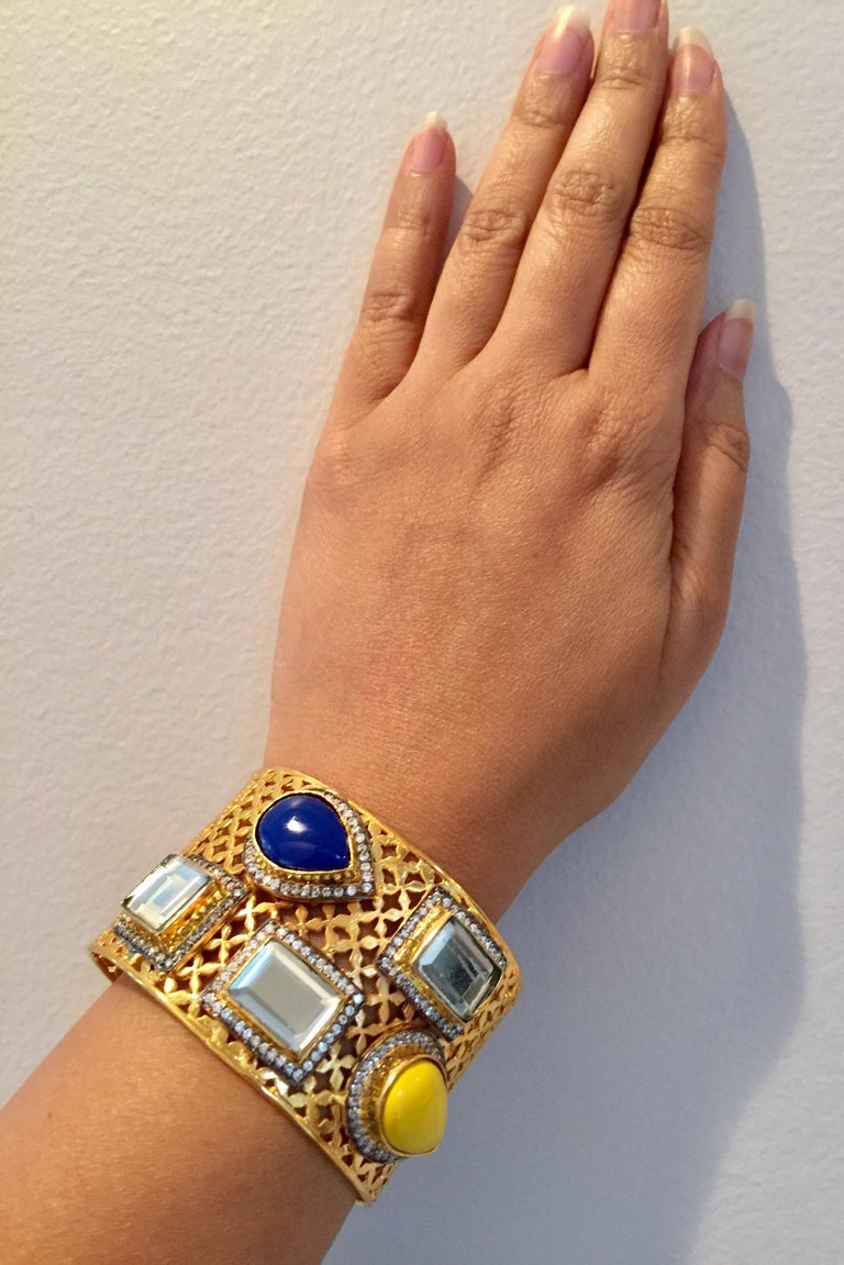 Meghna Jewels Lattice Handcrafted Polki & Resin Cuff In New Condition For Sale In Hoffman Estates, IL