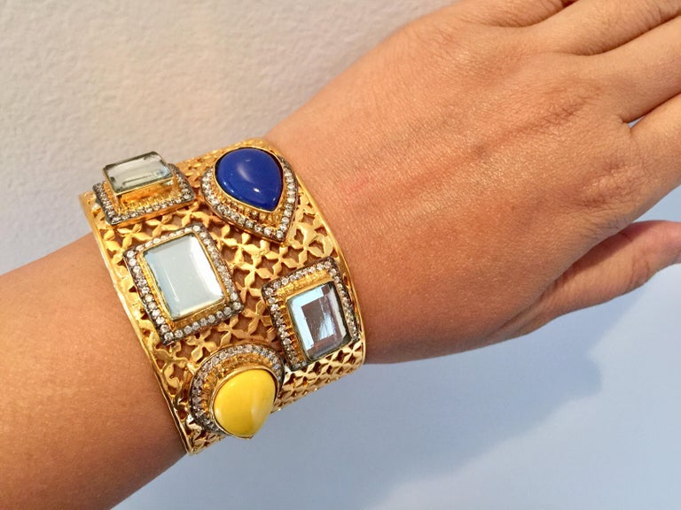 Women's Meghna Jewels Lattice Handcrafted Polki & Resin Cuff For Sale