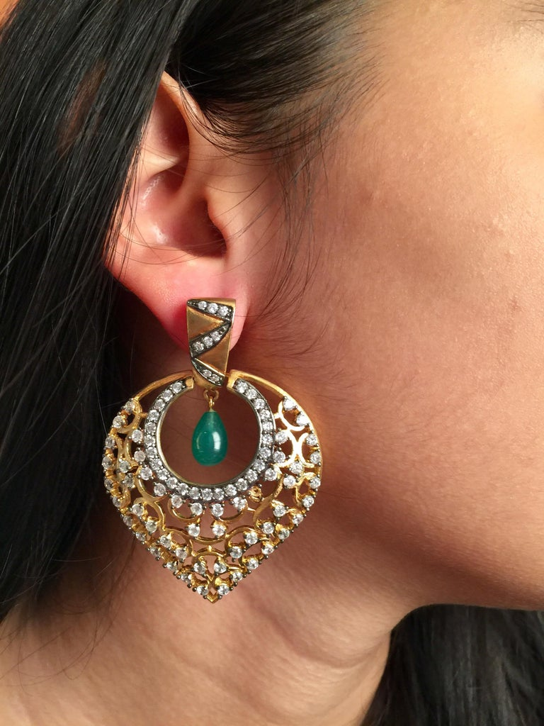 MEGHNA JEWELS Leaf Filigree Cubic Zircon Faux Emerald Earrings  In New Condition For Sale In Hoffman Estates, IL