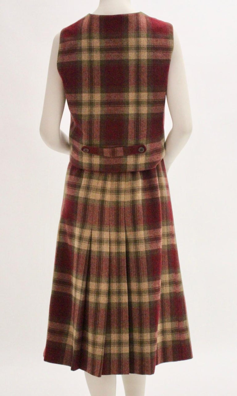 Women's Wool Vintage Tartan Set Skirt and Gilet 1980s For Sale
