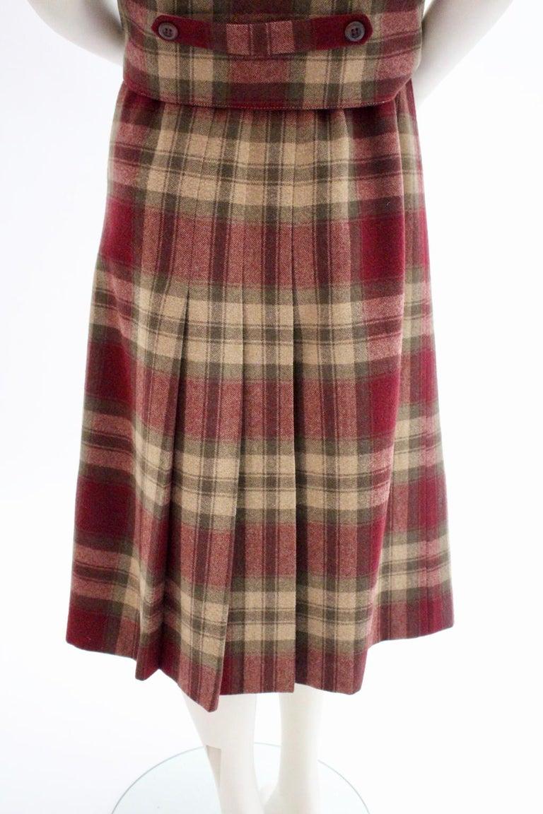 Wool Vintage Tartan Set Skirt and Gilet 1980s For Sale 2