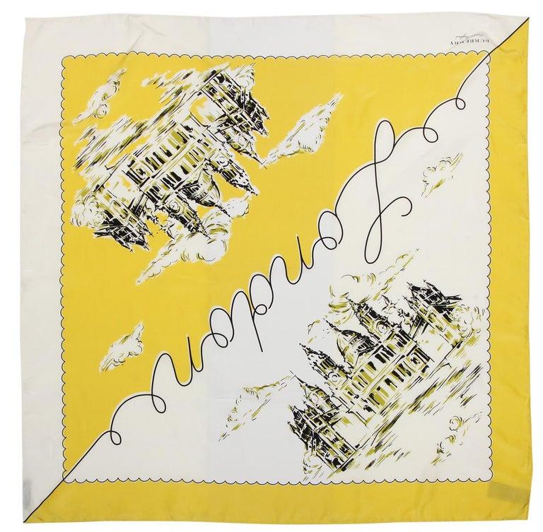 Burberry Women Square Scarf bright yellow LONDON LANDSCAPE SILK SQUARE 40654341 In New Condition For Sale In Karlsfeld, DE