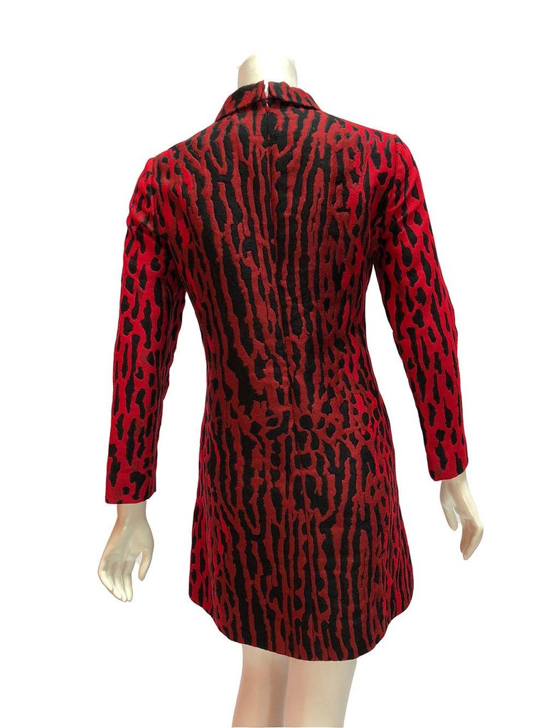 Valentino Red and Black Leopard Print Collared Shift Dress In Excellent Condition For Sale In Los Angeles, CA