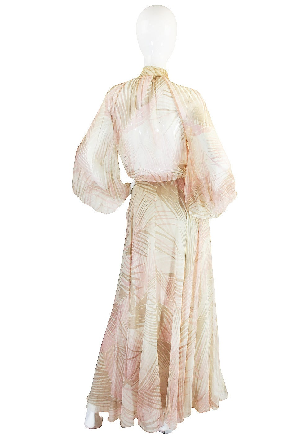 S/S 1974 Christian Dior Haute Couture Silk Gown In Excellent Condition For Sale In Toronto, CA